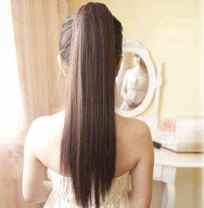 Pros And Cons of Wearing Ponytail Hair3